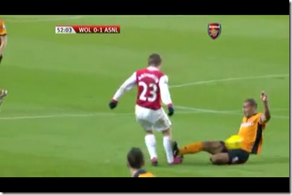 Henry tackle on Arshavin